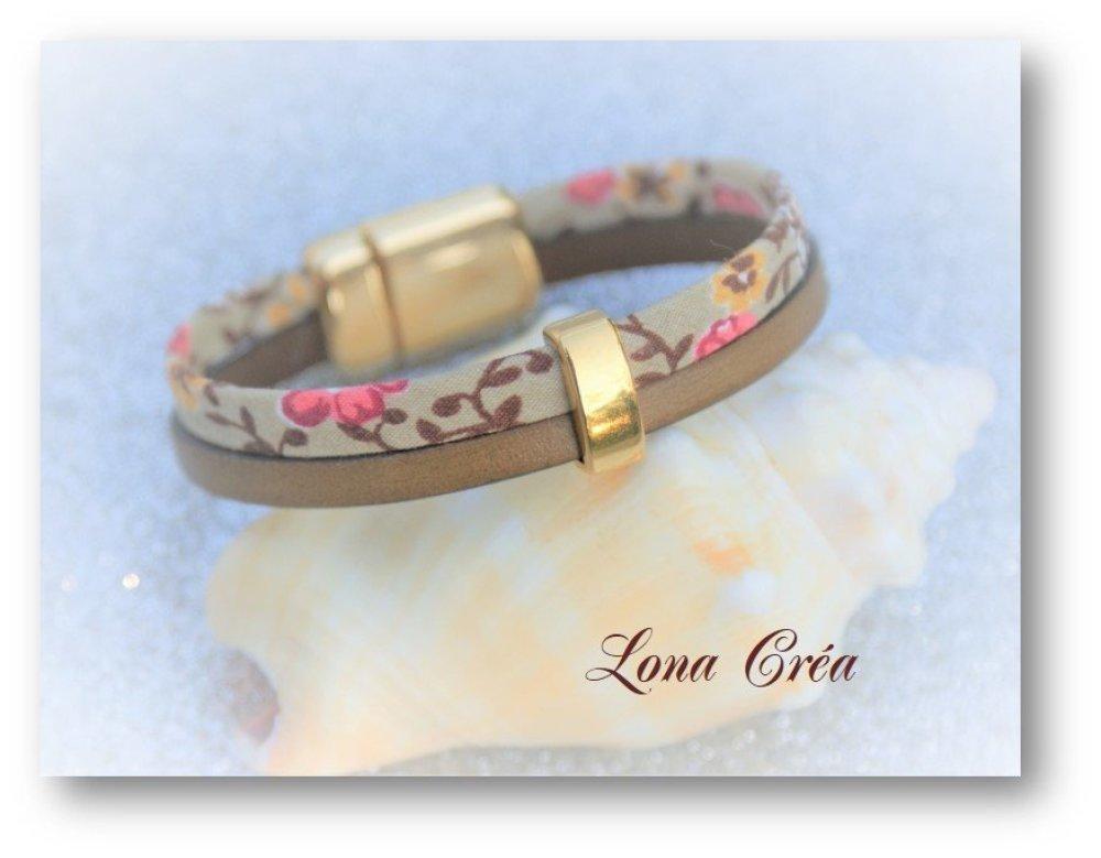 Bracelet cuir Lacet Camel et cordon Liberty, passant en zamak doré