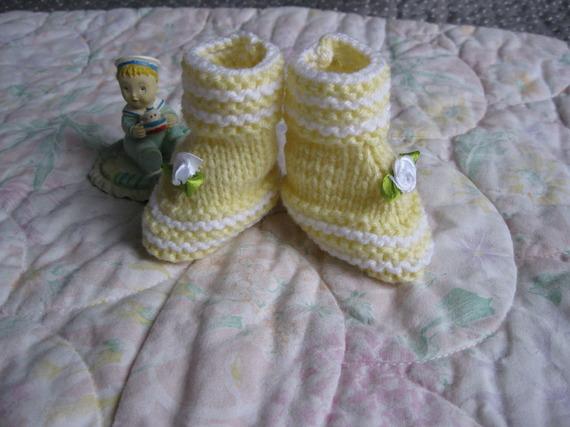 petits chaussons naissance fait main