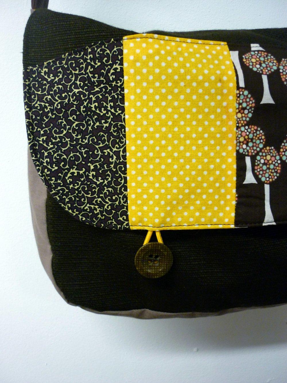 Sac en coton marron foncé et jaune