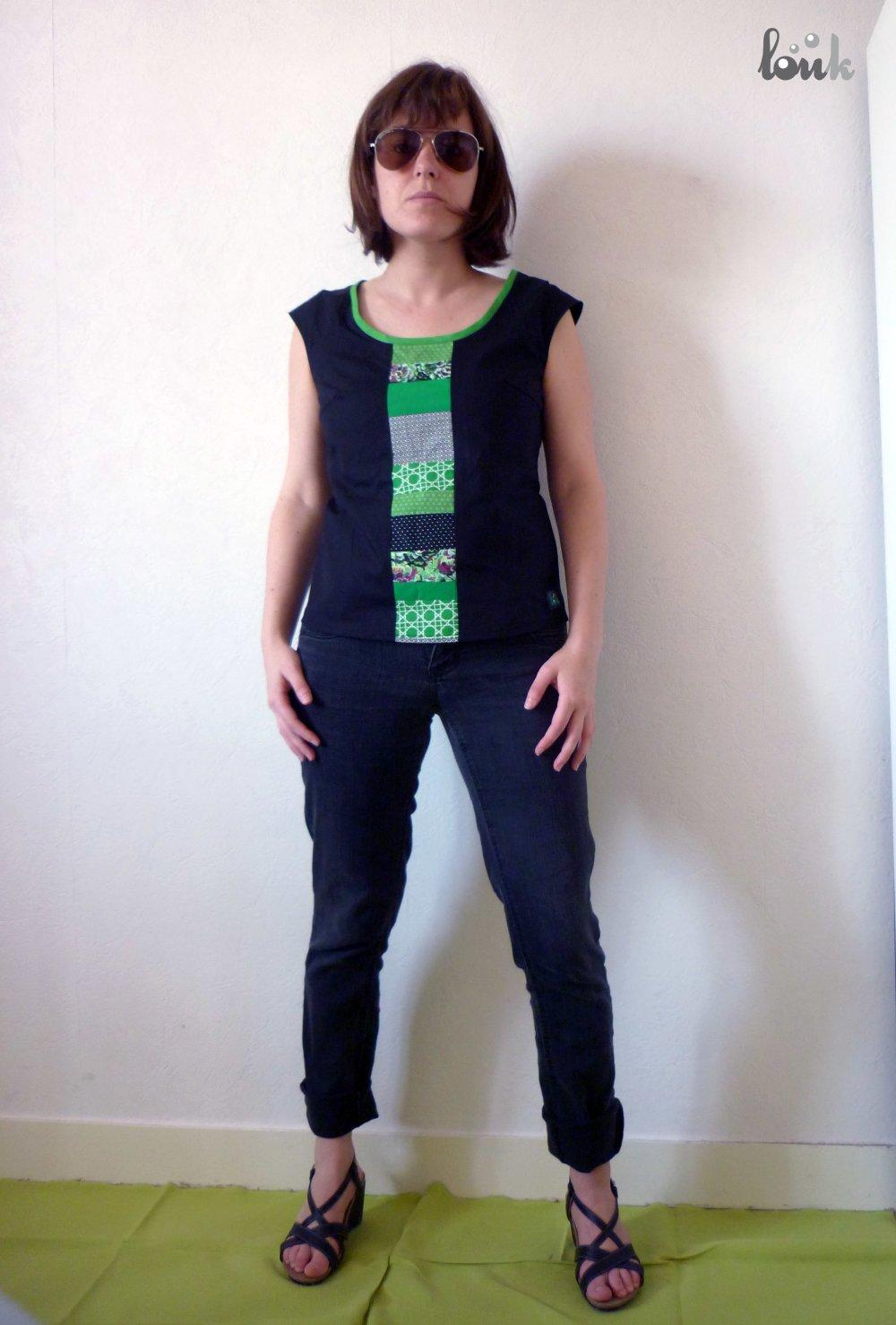 Haut rétro noir, bande patchwork vert et noir