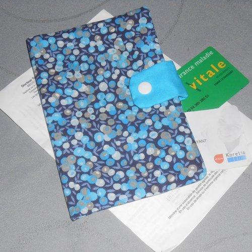 Pochette médicale porte ordonnance carte vitale en tissus tons bleus rangement documents médicaux