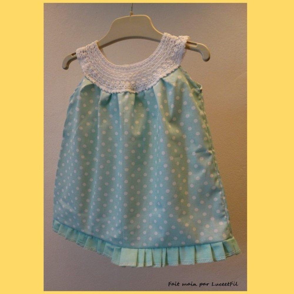 Robe bébé vert pâle à encolure ronde - Taille: 3 mois