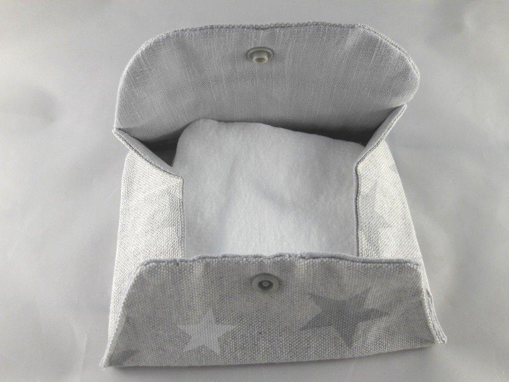 Petite pochette motifs étoiles grises et blanches, idée cadeau
