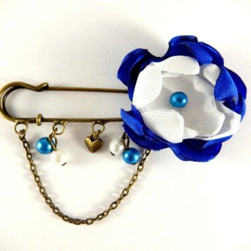 Broche fleur bleue et blanche rétro vintage