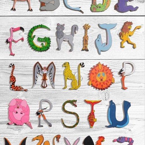 Abecedaire Lettres De L Alphabet En Bois En Forme D Animaux Multicolore Un Grand Marche