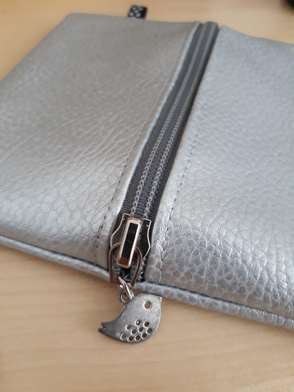 Porte-monnaie en simili cuir gris argent