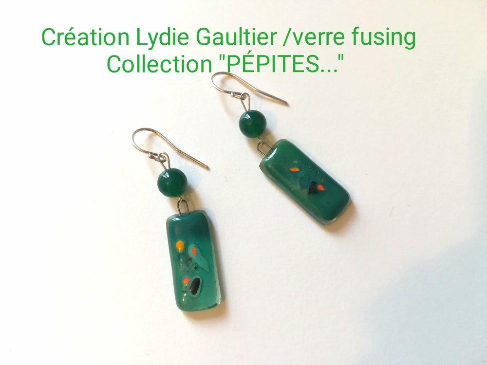 """Boucles d'oreilles en verre fusing argent et Agathe verte collection """"PÉPITES... D'  AMOUR. .. """""""