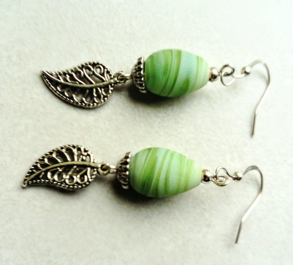 Boucles d'oreilles vert pomme, boucles d'oreilles nature