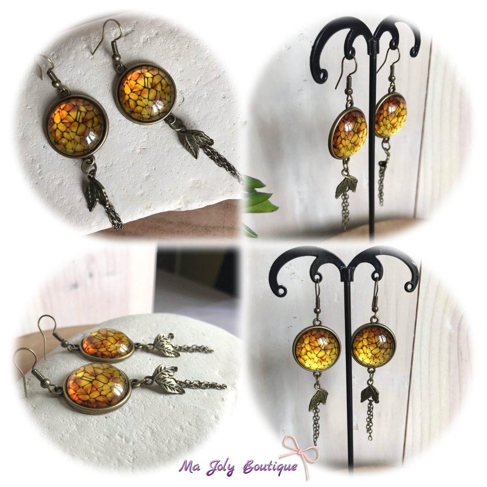 Boucles d'oreilles - Laiton bronze antique - Cabochon dôme en verre - jaune ocre & noir