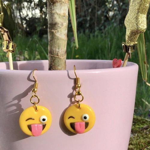 boucle d'oreille emoji pendante