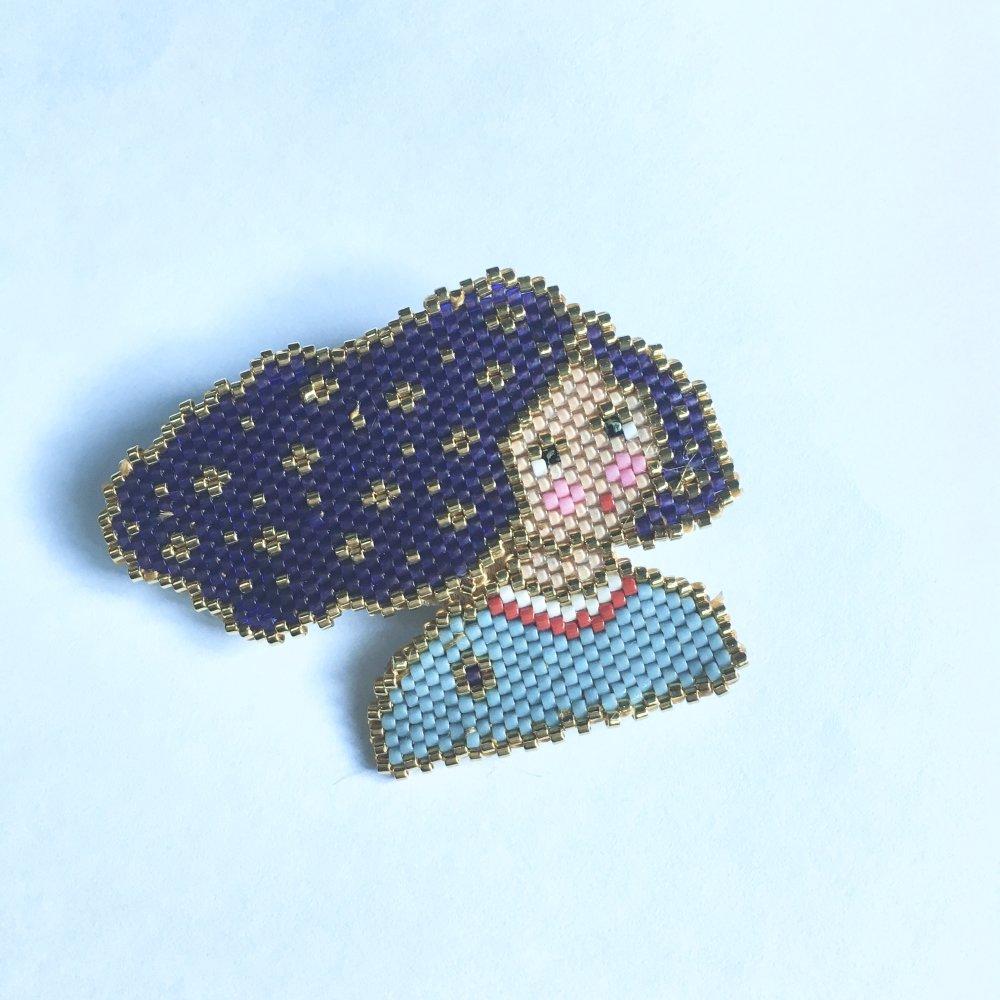 """Broche en perles Miyuki """" les cheveux dans le vent"""""""
