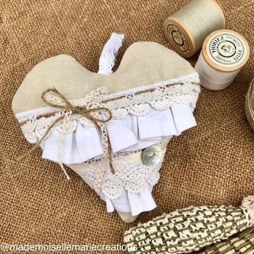 Maxi cœur de lavande dentelle volant rubans shabby romantique provence nacre beige rustique