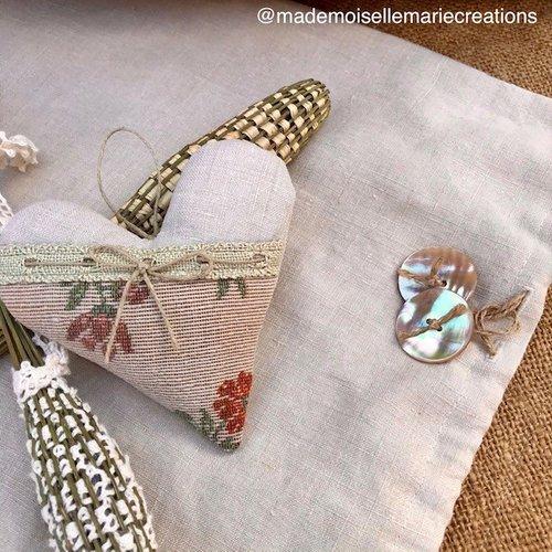 Cœur de lavande tissu ancien vintage upcycling provence lin beige rustique fleurs fleuri