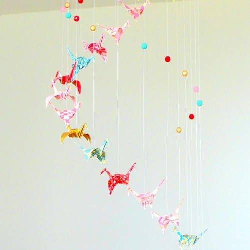"""Mobile bébé origami """"spirale"""" de grues et perles, rose doré et turquoise, mobile oiseaux papier"""