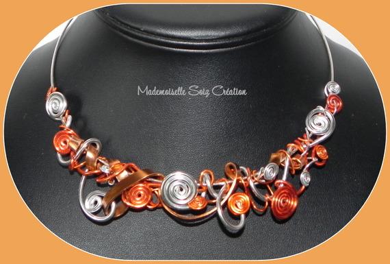 """Collier Tour de Cou Rigide : Fil Aluminium """" Orange """""""