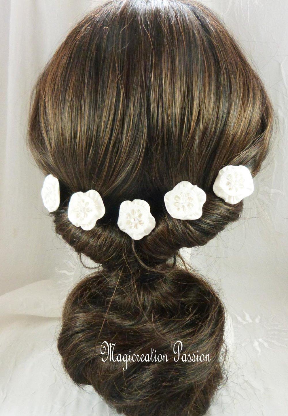épingles chignon fleurs de soie blanches coeur dentelle, lot de 5