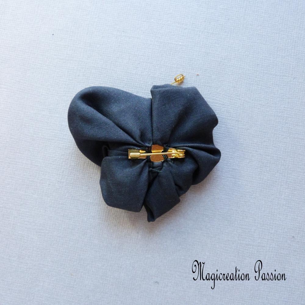 broche papillon de soie noire