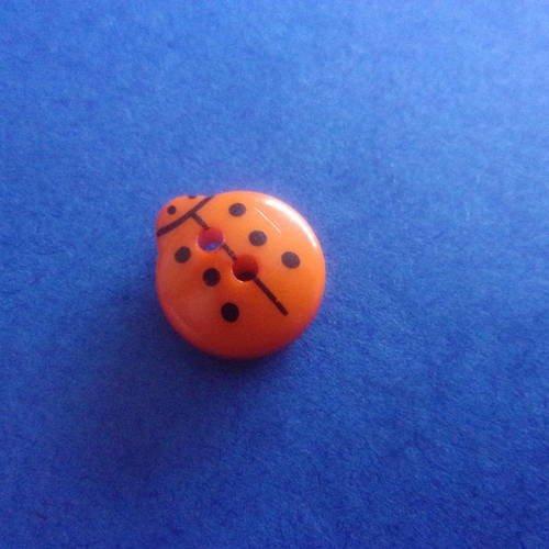Bouton en forme de coccinelle orange, 2 trous - 13mmx12mm