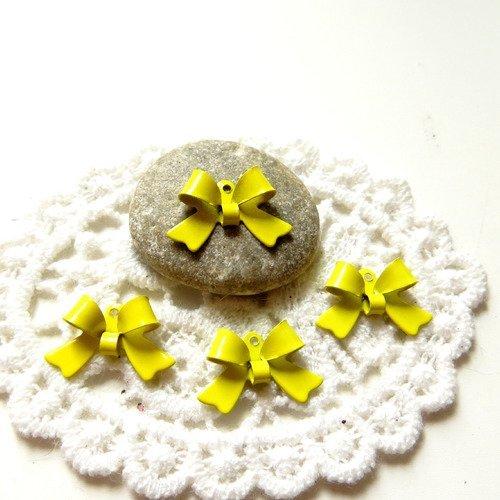 4 noeuds papillon métal émaillé jaune 16mm