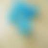 10 perles fleur trompette lucite bleu 15x18mm