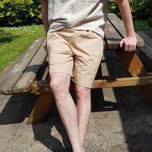 Patron de couture pour homme, short avec découpe sport dans le dos