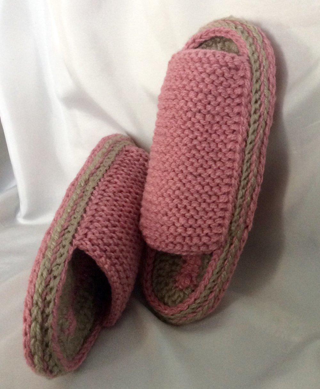 Chaussons -pantoufles  à semelles doux  au crochet ,tricot,fait main  pour femme
