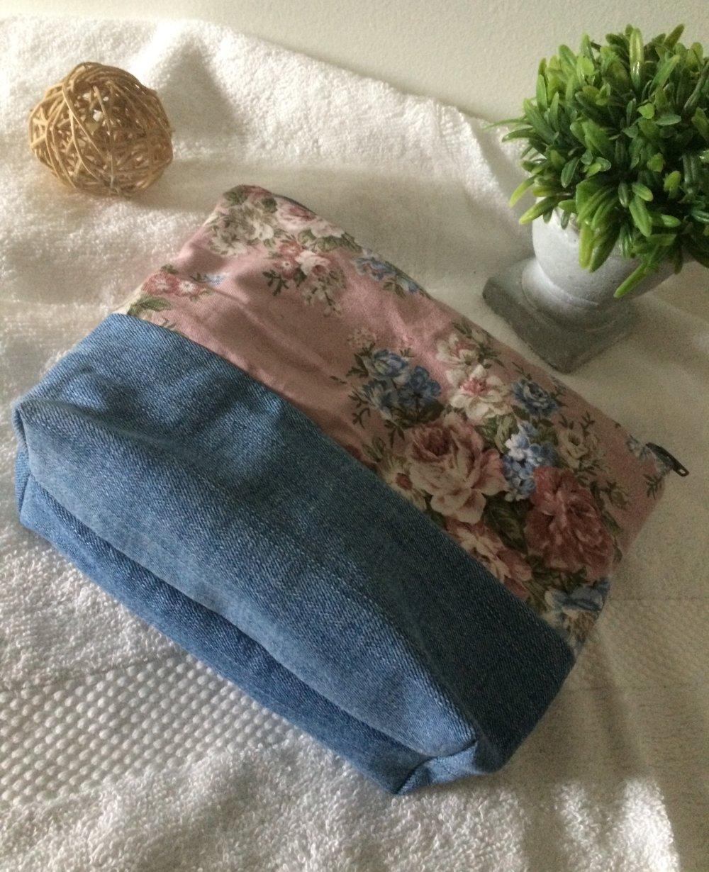 Trousse de toilette jean et coton fleuri