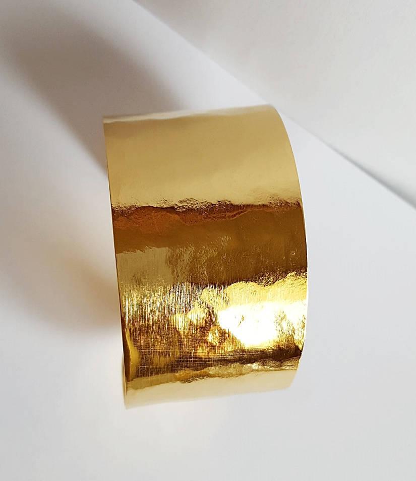 Manchette  dorée martelée