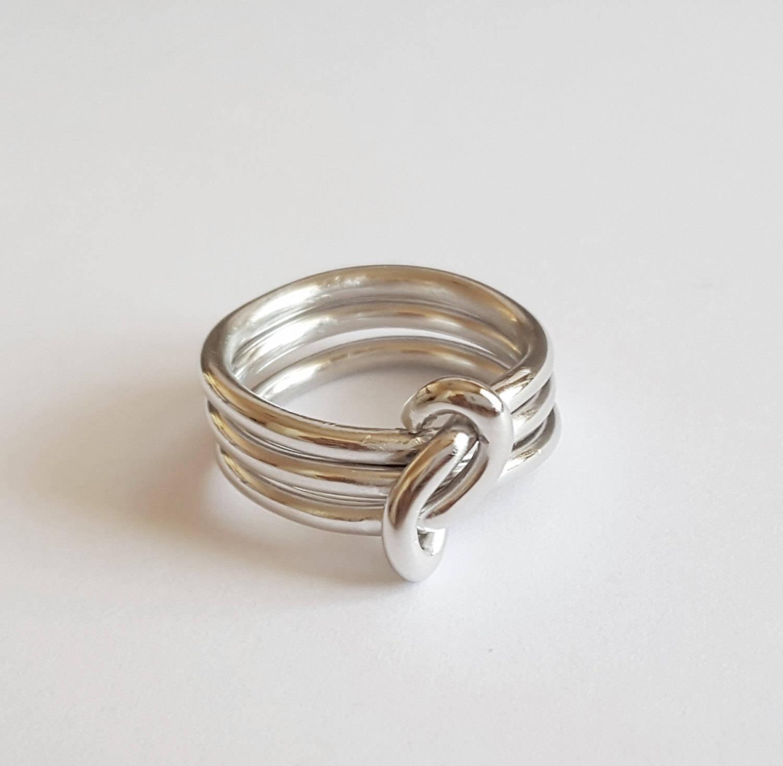 Bague triple anneau noué