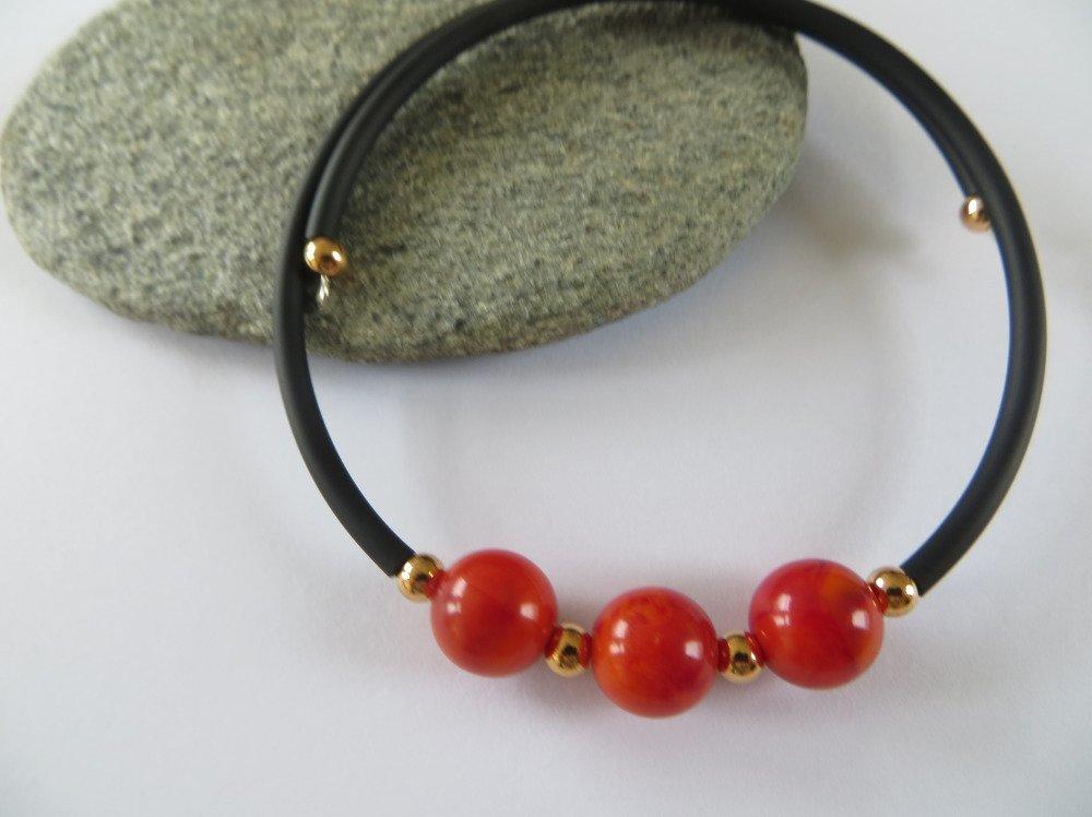 Bracelet fil mémoire ,Perles rouge et dorées .