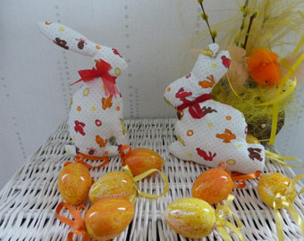 Lapins de Pâques Déco ou Doudou - ruban rouge