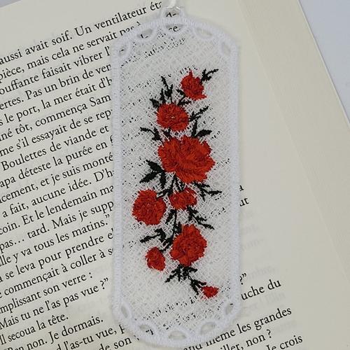 Marque page en dentelle (fsl) - roses - rouge - bookmark - idée cadeau - cadeau maitresse