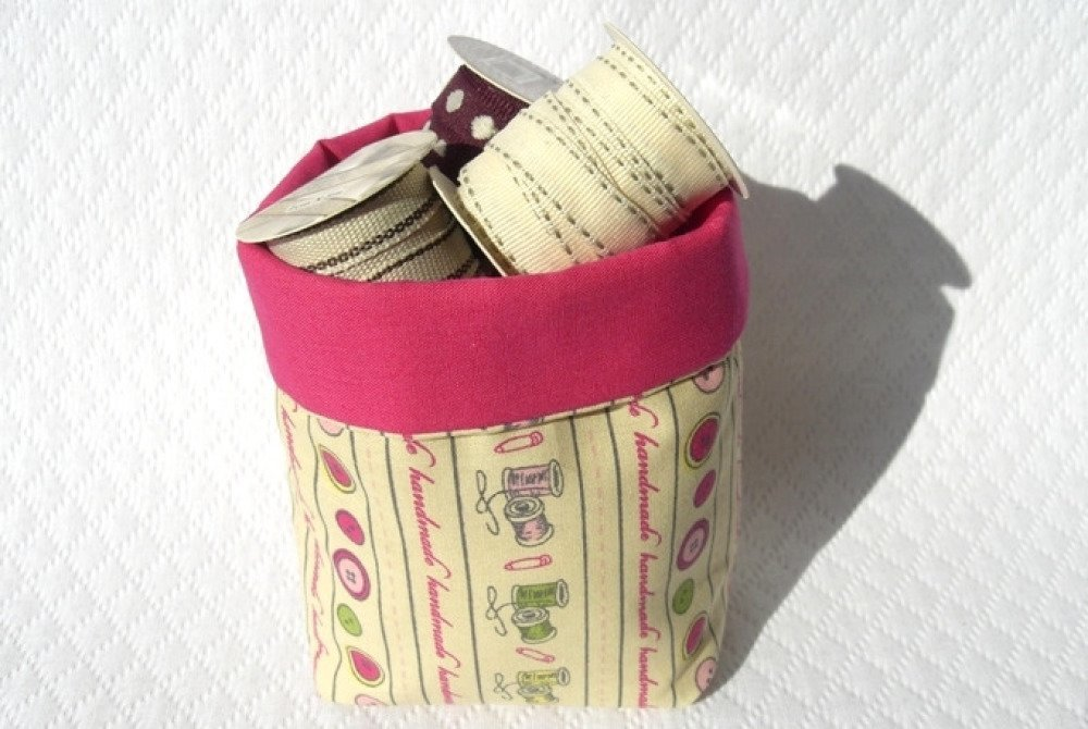 Panière rangement vide-poche tissu imprimés couture crème fuchsia