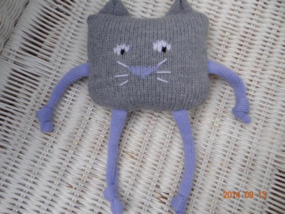 Doudou chat en laine gris et parme