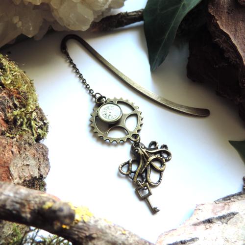 Marque-pages bronze steampunk engrenage, clé, pendule et pieuvre.