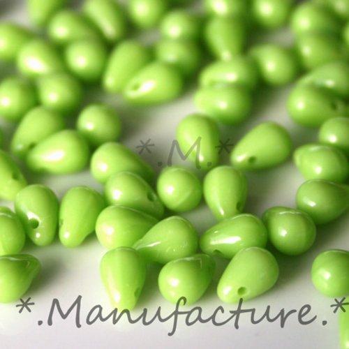 Perles gouttes verre tchèque 4x6mm vert pomme x50
