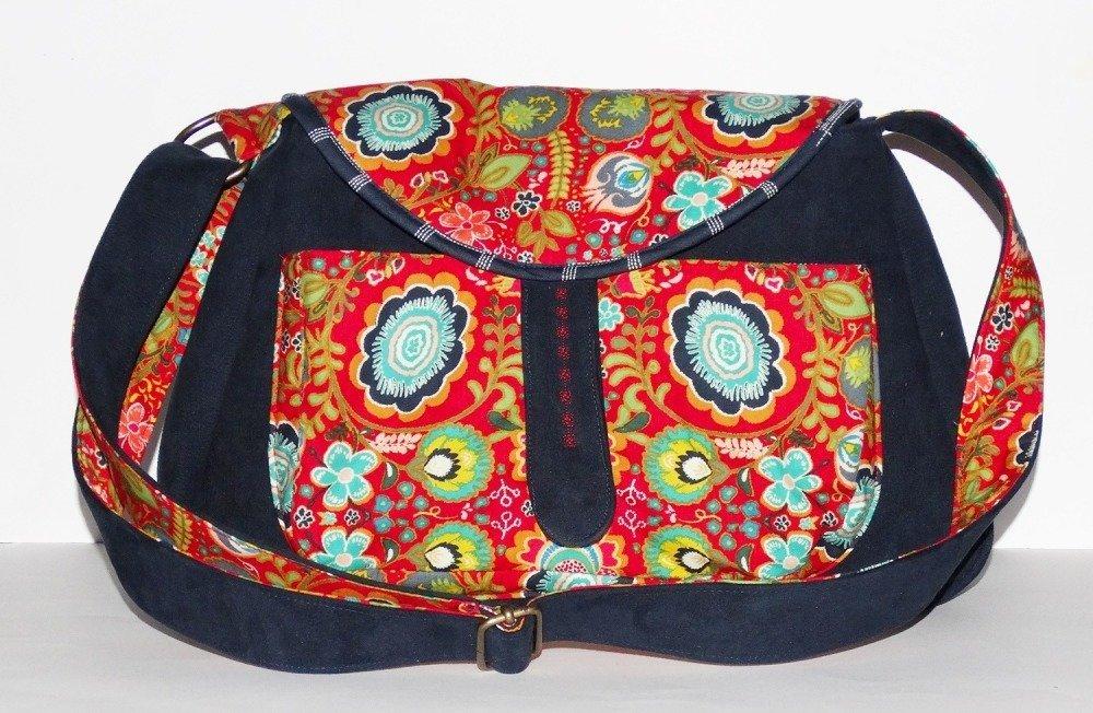 Grand sac à main sac à bandoulière femme original pratique simili cuir bleu marine tissus coton rouge fleurs bohème gypsy