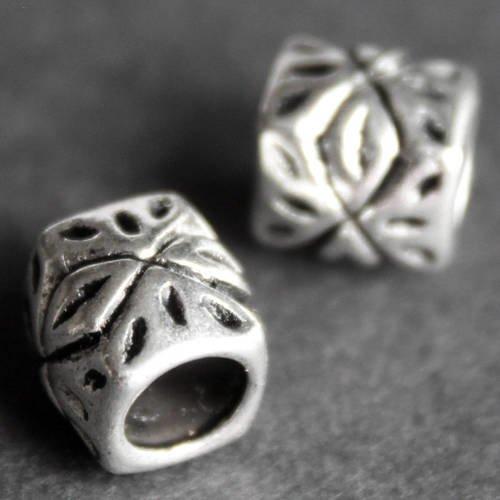 6 Perles Rectangulaires 22mm x 13mm style Tribal en métal argenté