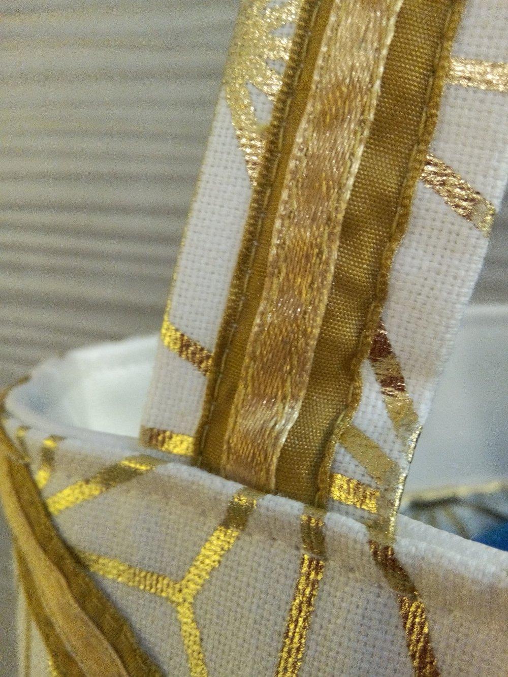 Sac à main  blanc doré