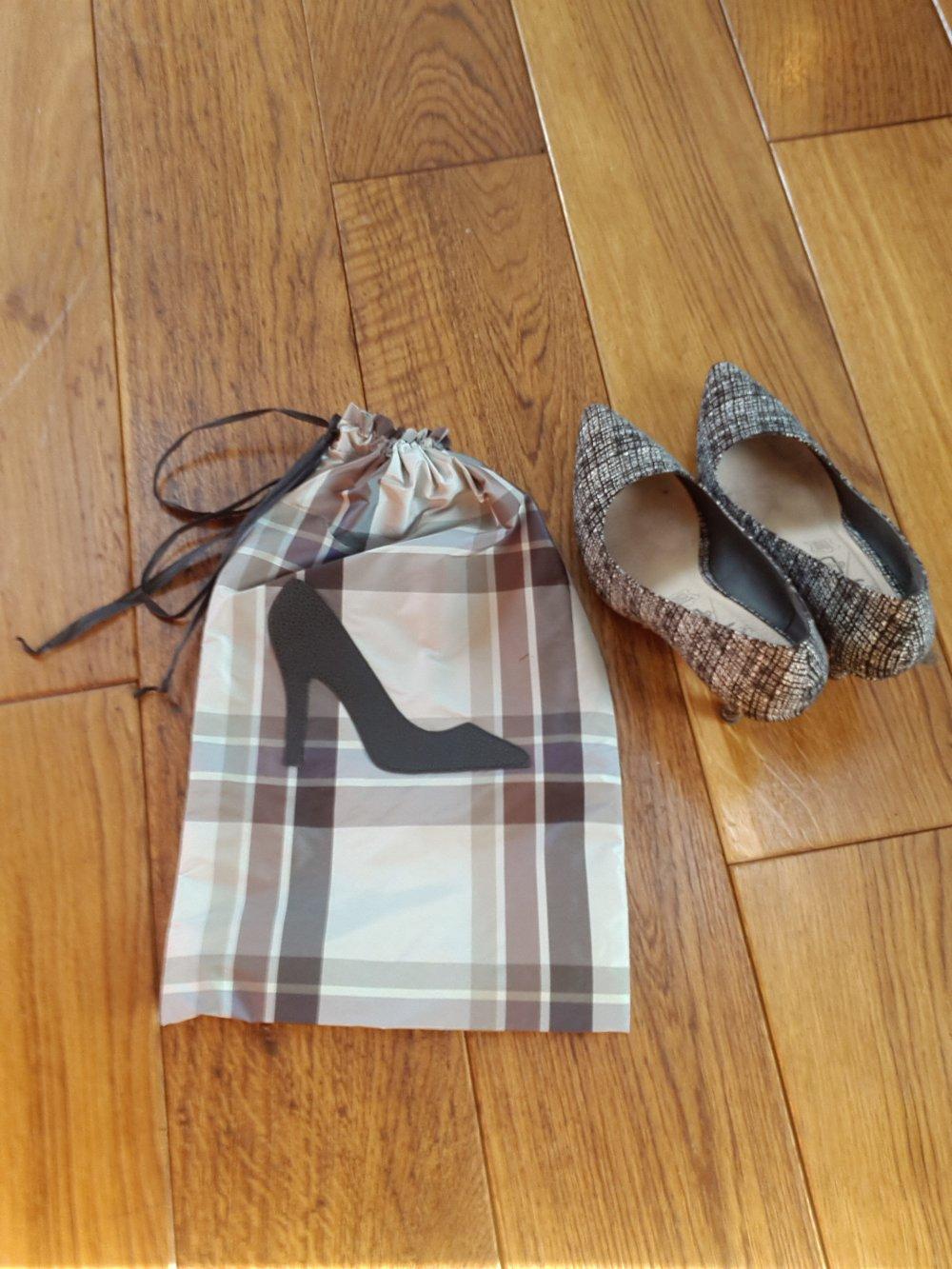 Pochette de voyage pour chaussure femme