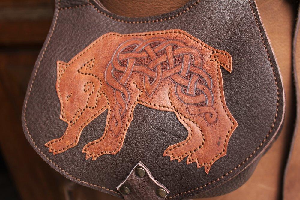 escarcelle cuir  ; aumonière médiévale ; pochette de ceinture ours ; escarcelle médiévale 19/1
