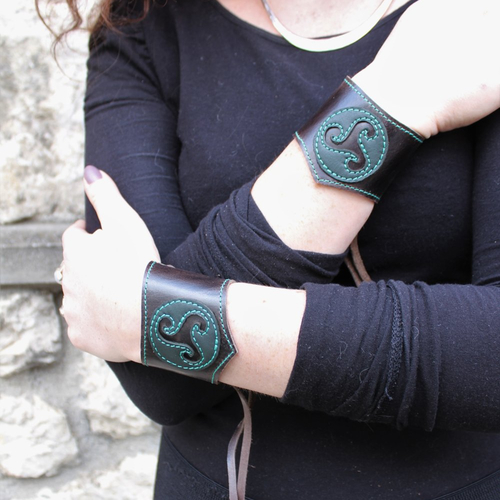 bracelet cuir femme medieval