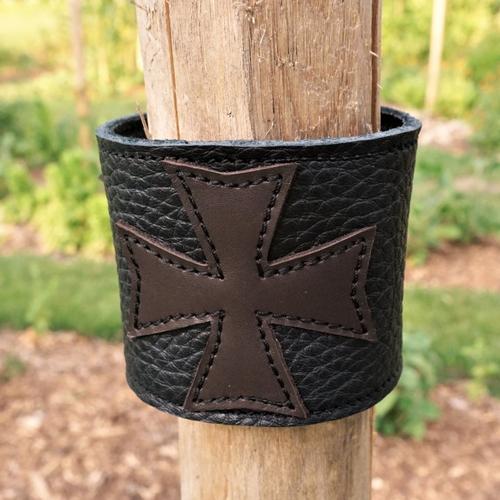 Bracelet large cuir noir ; bracelet de force cuir avec croix celtique ; poignet de force made in france ; 19/78