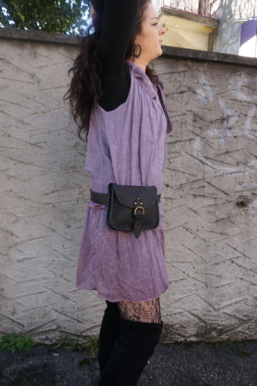 Sacoche de ceinture cuir ; pochette de ceinture en cuir noir lacée main ; 20.02