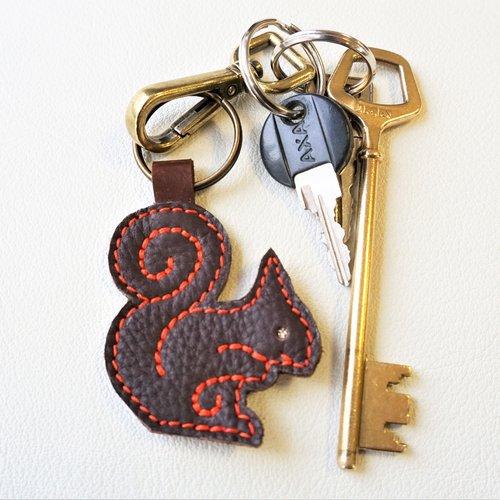 Accessoire de sac ou porte clé en cuir motif écureuil