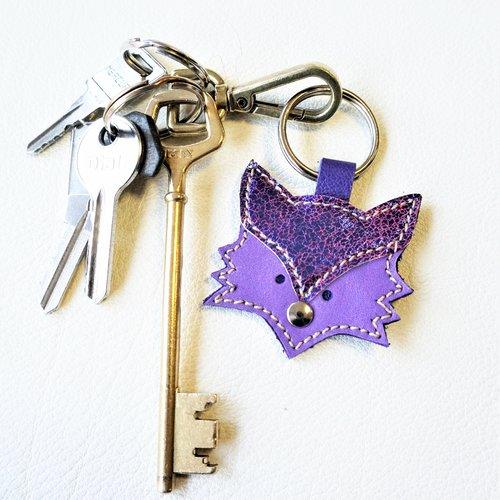 Accessoire de sac ou porte clé en cuir violet motif renard