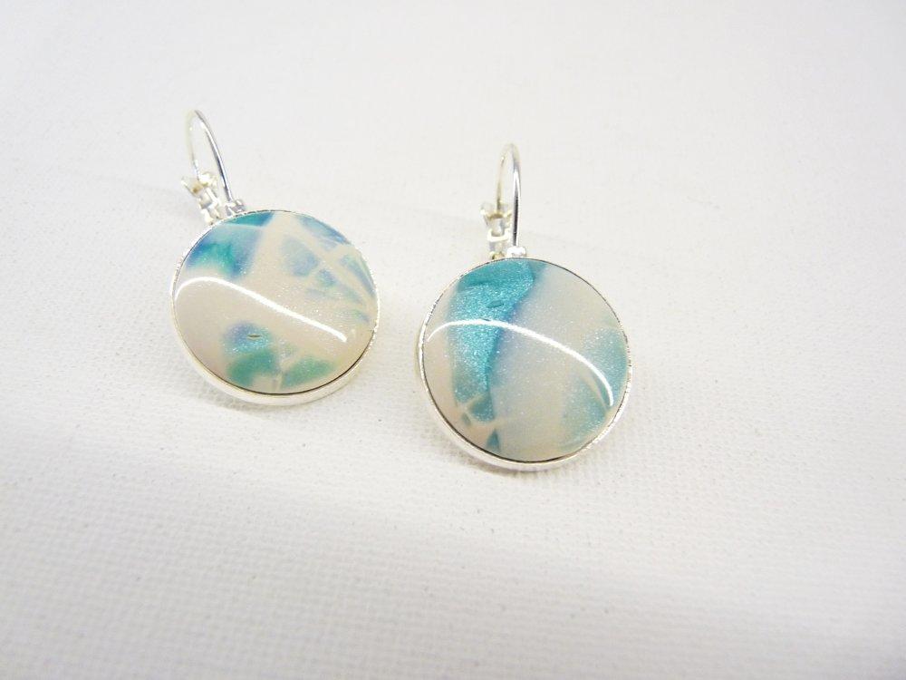 Magie hivernale *** Boucles d'oreille, dormeuses, bleu, turquoise nacré, blanc