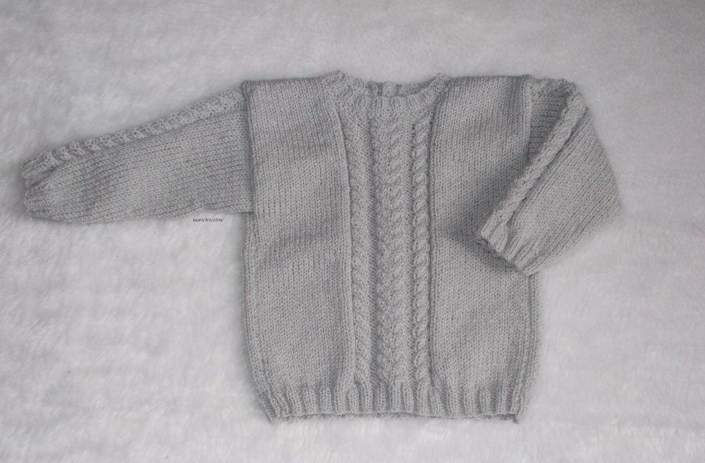 pull bébé gris perle avec torsades 6 mois  tricoté main marietricotine