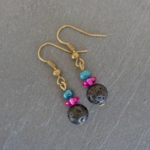 Boucles d'oreille bronze pierres de lave et perles bleues, donuts violets bob096