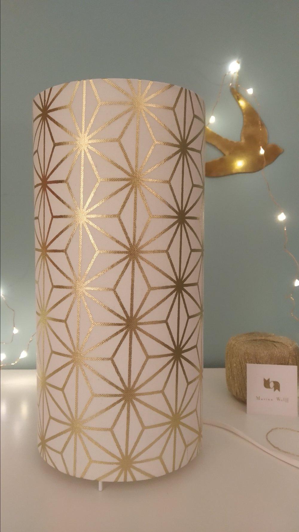 Lampe à poser - imprimé japonais doré sur fond blanc